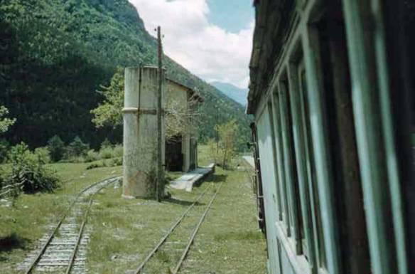 El baixador en una fotografia realitzada per Les Dench el 20 de maig de 1962. Actualment el bosc cobreix tota la zona.