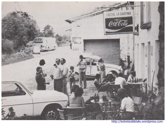 """L'Hostal de la Cantina al llibre """"Olot i la Garrotxa"""" d'Alexandre Cuéllar l'any 1977"""